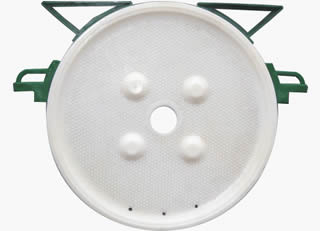 Round chamber filter plate with central feed hole
